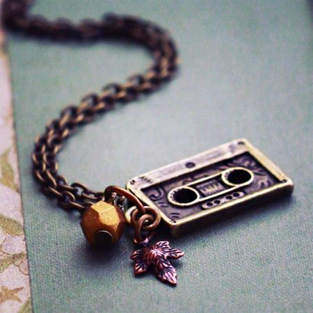 vintage asseccories cassette charm