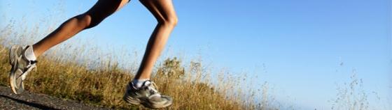 woman running knees injury